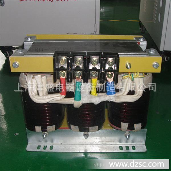 SGSBK系列三相干式隔离变压器是本厂在参照国际同类产品,结合我国国情的基础上研制生产的新一代节能型电力变压器,从 标准,绕组采用脱胎整列绕制方法;变压器进行真空浸漆,使变压器的绝缘等级达到H级,产品性能达到国内外先进水平。SBK系列三相干式隔离变压器广泛适用于交流50Hz至60Hz,电压660V以下的电路中,广泛用于进口重要设备、精密机床、机械电子设备、医疗设备、整流装置,照明等。产品的各种输入、输出电压的高低、联接组别、调节抽头的多少及位置(一般为±5%)、绕组容量的分配、次级单相绕组的