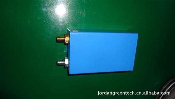 提供磷酸铁锂方形钢/铝壳动力电池电芯