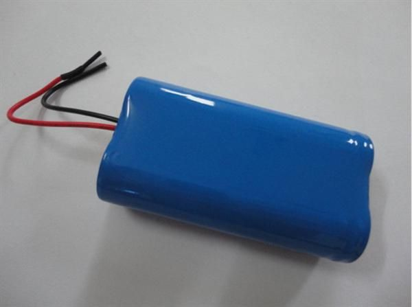 C) 标准充电:1100mA充至4.2V,4.2V恒压至电流小于22mA 快速充电:2200mA充至4.2V,4.2V恒压至电流小于22mA 使用环境(建议) 储存:温度(15-35)相对湿度(45-75%)大气压力(86-106Kpa) 放电:-20-60 标准充电 :0-45 相对湿度:<93% 大气压力:86-106kPa 应用范围: 笔记本电脑电池、LED手电筒、电动工具,等电子产品;