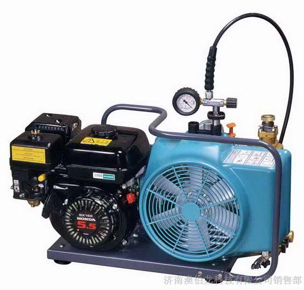 德国原装进口宝亚空气充气泵,体积小,携带方便,是广大用户的良好选择,空气安全纯净,保证了用户的安全性。 &&德国宝亚JII3E-H空气充气泵的压缩机座制造精细,经久耐用. &&&&德国宝亚JII3E-H空气充气泵的防紫外线特殊塑料保护罩,加强冷却风的流量,增加压缩机的效率.