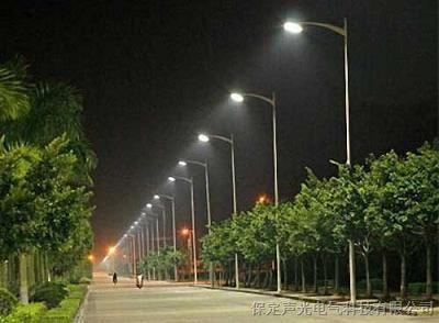 青岛济宁聊城10W太阳能路灯 高杆灯 庭院灯 草坪灯制作厂家