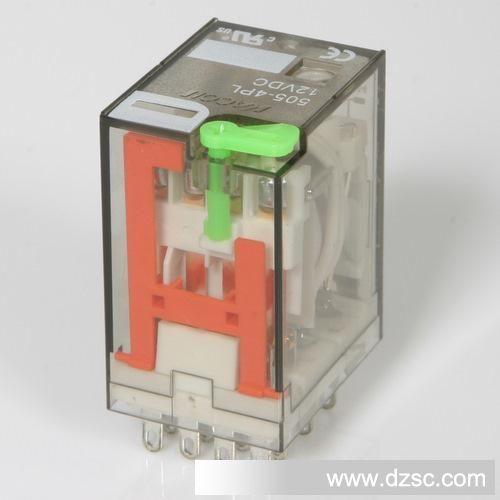 控制继电器■ 产品简介 有两组转换触点(2p)和四组转换触点(4p)两种